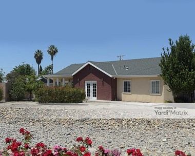 Storage Units for Rent available at 1766 East Foster Drive, Tulare, CA 93274 Photo Gallery 1