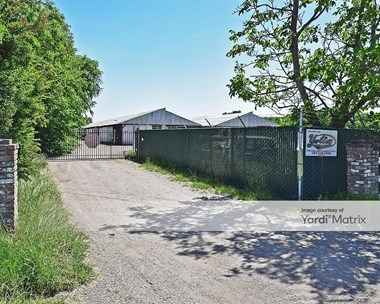 Storage Units for Rent available at 10296 Copperopolis Road, Stockton, CA 95215 Photo Gallery 1