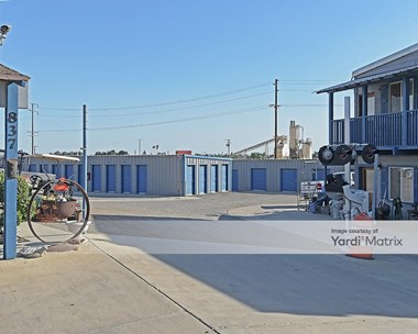 Storage Units for Rent available at 837 West Northgrand Avenue, Porterville, CA 93257 Photo Gallery 1