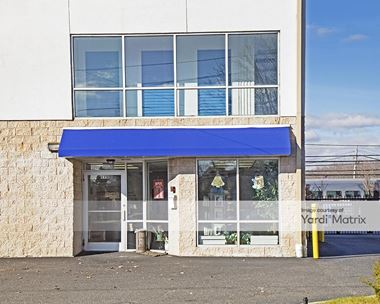 Storage Units for Rent available at 175 Union Blvd, West Islip, NY 11795 Photo Gallery 1