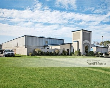 Storage Units for Rent available at 2721 Clearwater Road, Saint Cloud, MN 56301 Photo Gallery 1