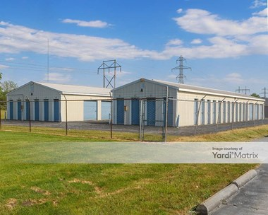 Storage Units for Rent available at 1809 West 38th Street, Anderson, IN 46013 Photo Gallery 1
