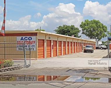 Storage Units for Rent available at 1789 NW 22Nd Court, Pompano, FL 33069 Photo Gallery 1