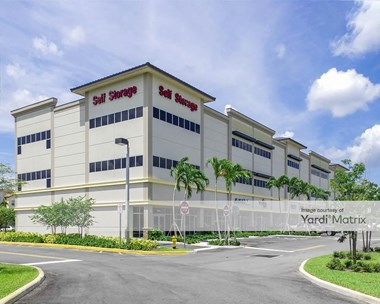 Storage Units for Rent available at 16602 Sheridan Street, Pembroke Pines, FL 33331 Photo Gallery 1
