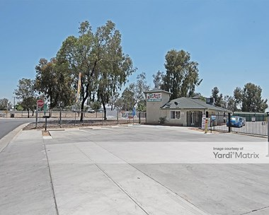 Storage Units for Rent available at 480 1st Avenue, Delano, CA 93215 Photo Gallery 1