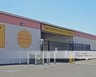Storage Units for Rent available at 4420 North Blackstone Avenue, Fresno, CA 93726 Photo Gallery 1