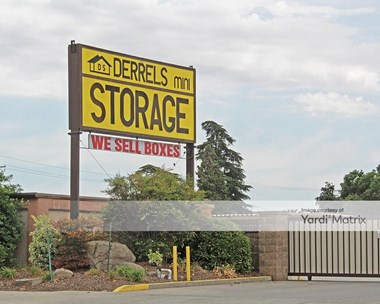 Storage Units for Rent available at 4660 East Dakota Avenue, Fresno, CA 93726 Photo Gallery 1