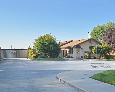 Storage Units for Rent available at 3502 West San Jose Avenue, Fresno, CA 93711 Photo Gallery 1