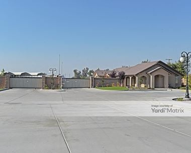 Storage Units for Rent available at 10948 Snow Road, Bakersfield, CA 93314 Photo Gallery 1
