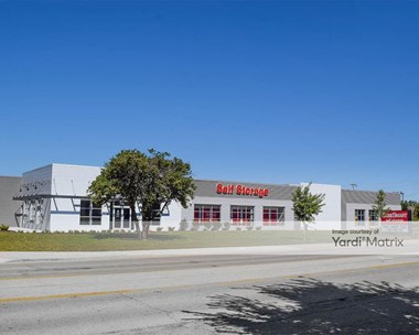 Storage Units for Rent available at 3526 Oakton Street, Skokie, IL 60076 Photo Gallery 1