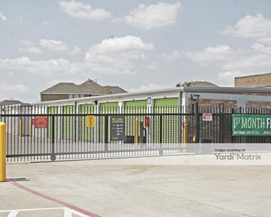 Storage Units for Rent available at 811 South Hampton Road, Desoto, TX 75115 Photo Gallery 1