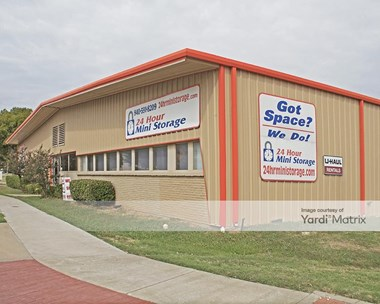 Storage Units for Rent available at 1815 Shady Oaks Drive, Denton, TX 76205 Photo Gallery 1
