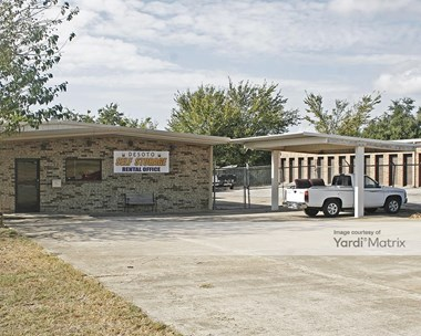 Storage Units for Rent available at 1817 North Hampton Road, Desoto, TX 75115 Photo Gallery 1