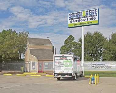 Storage Units for Rent available at 1002 Dallas Drive, Denton, TX 76205 Photo Gallery 1