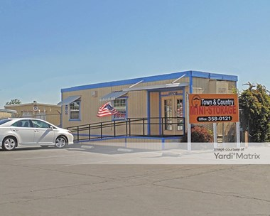 Storage Units for Rent available at 6582 North Winton Way, Winton, CA 95388 Photo Gallery 1
