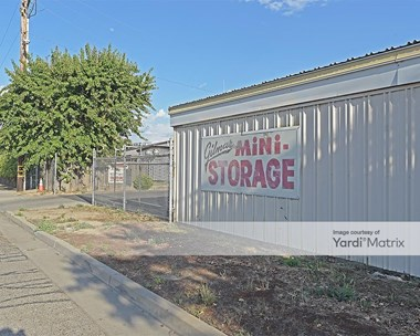 Storage Units for Rent available at 225 West Springville Drive, Porterville, CA 93257 Photo Gallery 1