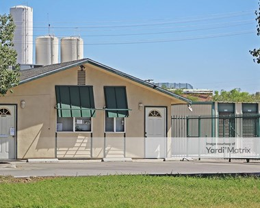 Storage Units for Rent available at 175 South Williams Street, Hanford, CA 93230 Photo Gallery 1
