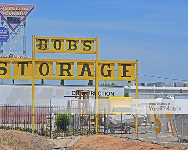 Storage Units for Rent available at 5280 North Barcus Avenue, Fresno, CA 93722 Photo Gallery 1