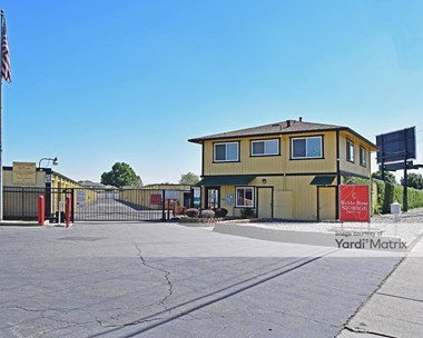 Storage Units for Rent available at 2118 Herndon Road, Ceres, CA 95307 Photo Gallery 1