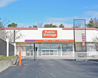 Storage Units for Rent available at 1925 Silas Creek Pkwy, Winston Salem, NC 27103 Photo Gallery 1