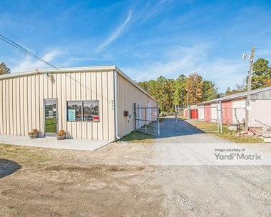Storage Units for Rent available at 2108 Holland Road, Suffolk, VA 23434 Photo Gallery 1