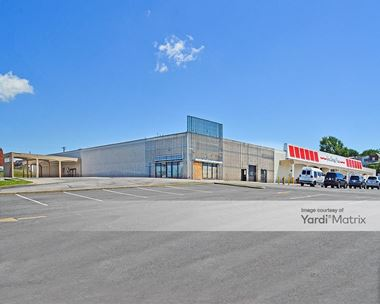 Storage Units for Rent available at 222 North Point Blvd, Baltimore, MD 21224 Photo Gallery 1