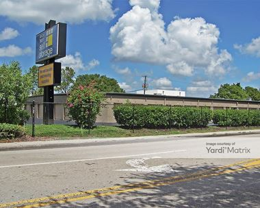 Storage Units for Rent available at 4400 Solomon Blvd, Fort Myers, FL 33901 Photo Gallery 1