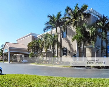 Storage Units for Rent available at 275 Goodlette - Frank Road, Naples, FL 34102 Photo Gallery 1