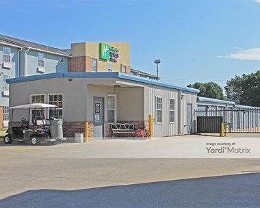 Storage Units for Rent available at 1955 Macon Street, North Kansas City, MO 64116 Photo Gallery 1