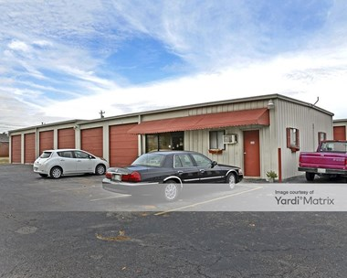 Storage Units for Rent available at 435 9Th Avenue, Smyrna, TN 37167 Photo Gallery 1