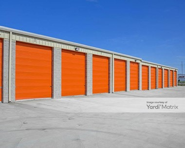 Storage Units for Rent available at 1060 SE Tater Peeler Road, Lebanon, TN 37090 Photo Gallery 1