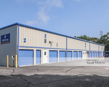 Storage Units for Rent available at 173 West Montauk Hwy, Hampton Bays, NY 11946 Photo Gallery 1