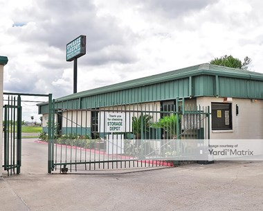 Storage Units for Rent available at 212 West Ferguson Avenue, Pharr, TX 78577 Photo Gallery 1