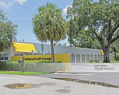 Storage Units for Rent available at 3090 Sheridan Street, Hollywood, FL 33021 Photo Gallery 1