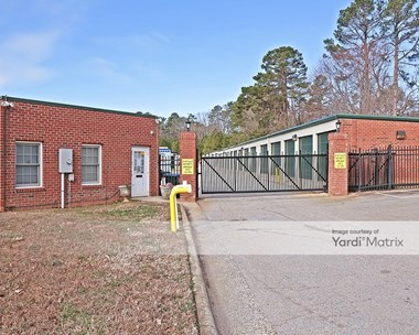 Storage Units for Rent available at 8712 Holly Springs Road, Apex, NC 27539 Photo Gallery 1