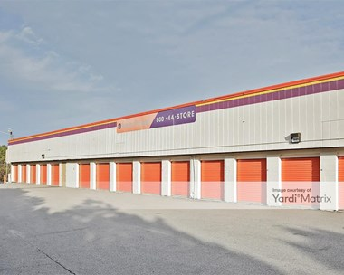 Storage Units for Rent available at 3600 Kangaroo Drive, Durham, NC 27705 Photo Gallery 1
