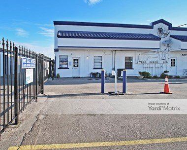 Storage Units for Rent available at 1089 Atlantic Blvd, Atlantic Beach, FL 32233 Photo Gallery 1
