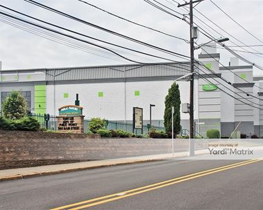 Storage Units for Rent available at 550 Main Street, Fort Lee, NJ 07024 Photo Gallery 1