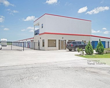 Storage Units for Rent available at 1515 Dickinson Avenue, Dickinson, TX 77539 Photo Gallery 1