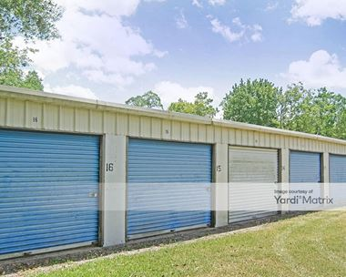Storage Units for Rent available at 3500 Texas Avenue, Dickinson, TX 77539 Photo Gallery 1