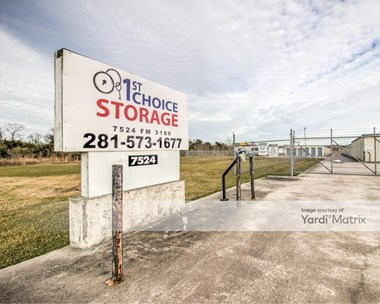 Storage Units for Rent available at 7524 Farm To Market Road 3180, Mont Belvieu, TX 77523 Photo Gallery 1