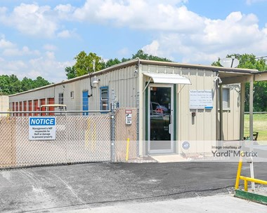Storage Units for Rent available at 1600 Mabry Street, Baytown, TX 77520 Photo Gallery 1