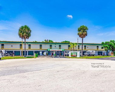 Storage Units for Rent available at 3895 Westroads Drive, Riviera Beach, FL 33407 Photo Gallery 1