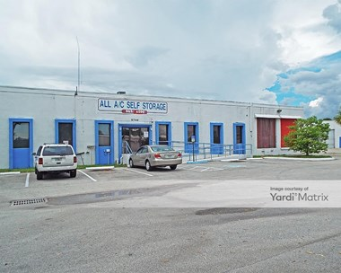 Storage Units for Rent available at 5740 Columbia Circle, West Palm Beach, FL 33407 Photo Gallery 1