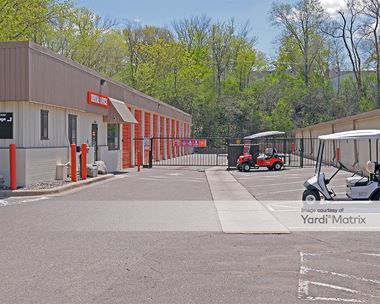 Storage Units for Rent available at 3200 France Avenue South, St Louis Park, MN 55416 Photo Gallery 1
