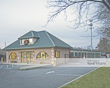 Storage Units for Rent available at 1625 Montauk Hwy, Oakdale, NY 11769 Photo Gallery 1