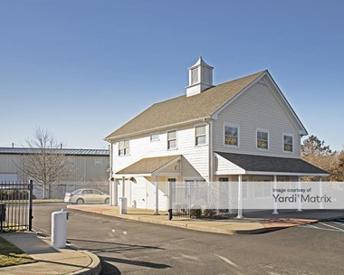 Storage Units for Rent available at 10 Leecon Court, Southampton, NY 11968 Photo Gallery 1