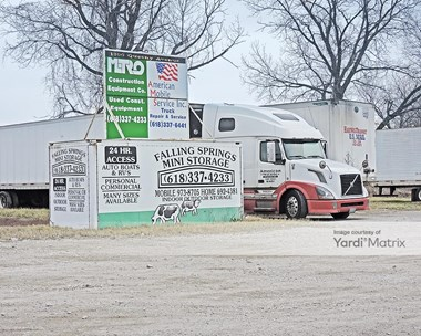 Storage Units for Rent available at 1300 Queeny Avenue, East St. Louis, IL 62206 Photo Gallery 1