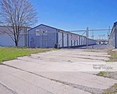 Storage Units for Rent available at 13 Schiber Court, Maryville, IL 62062 Photo Gallery 1