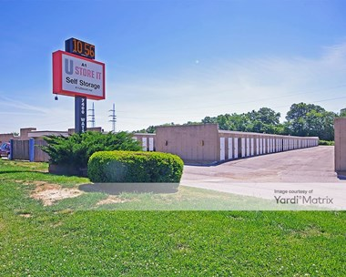Storage Units for Rent available at 7400 Watson Road, St Louis, MO 63119 Photo Gallery 1
